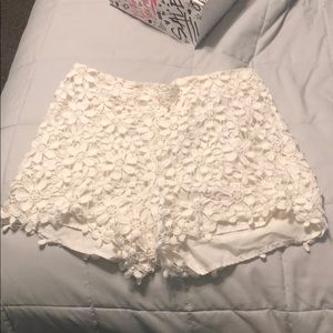 hollister white floral shorts
